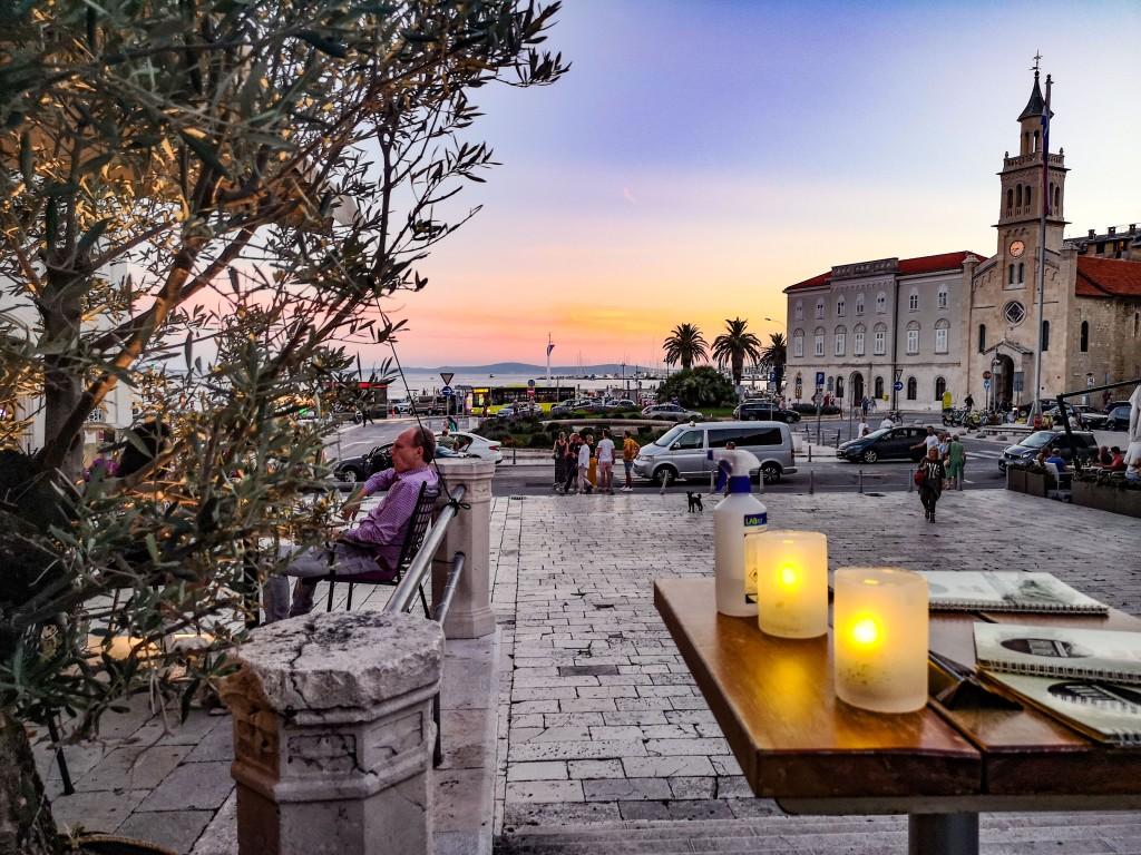 Split o zachodzie słońca. Chorwacja – czy warto tam jechać i co zobaczyć? Sunset in Split, Croatia, worth visiting, the best things to see