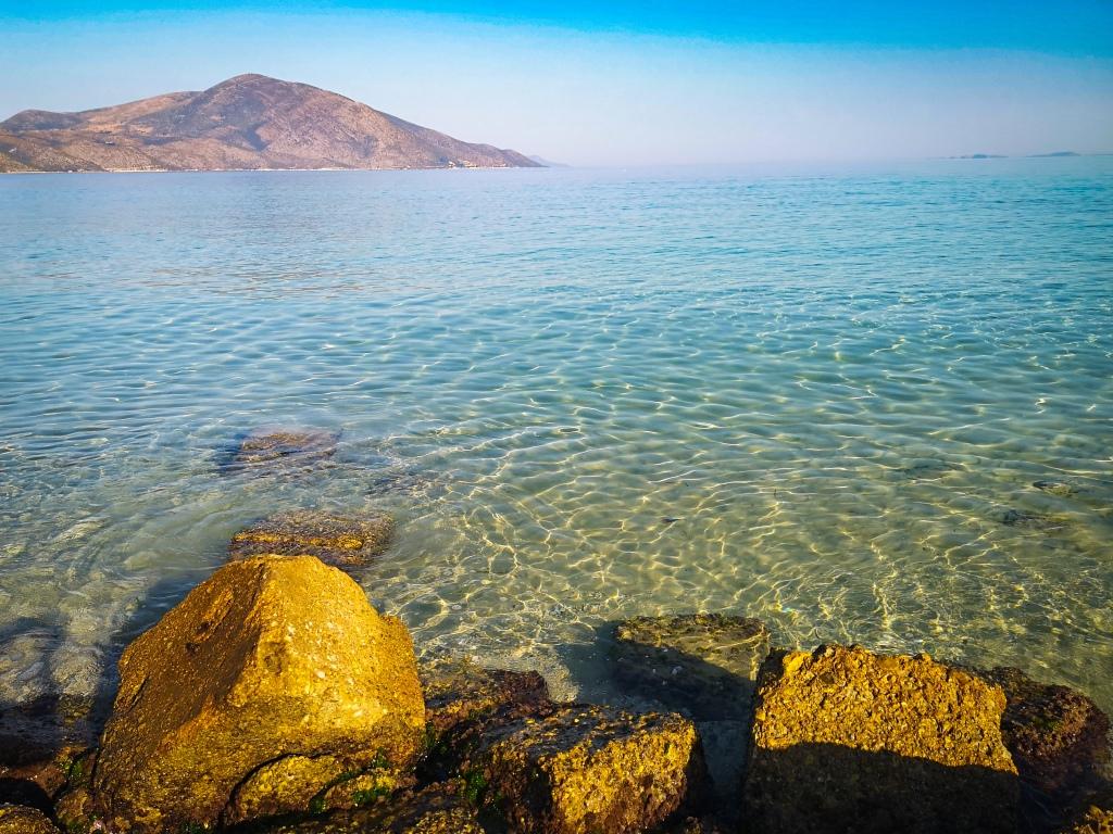 Albania, pusta plaża.  Empty beach in Albania.