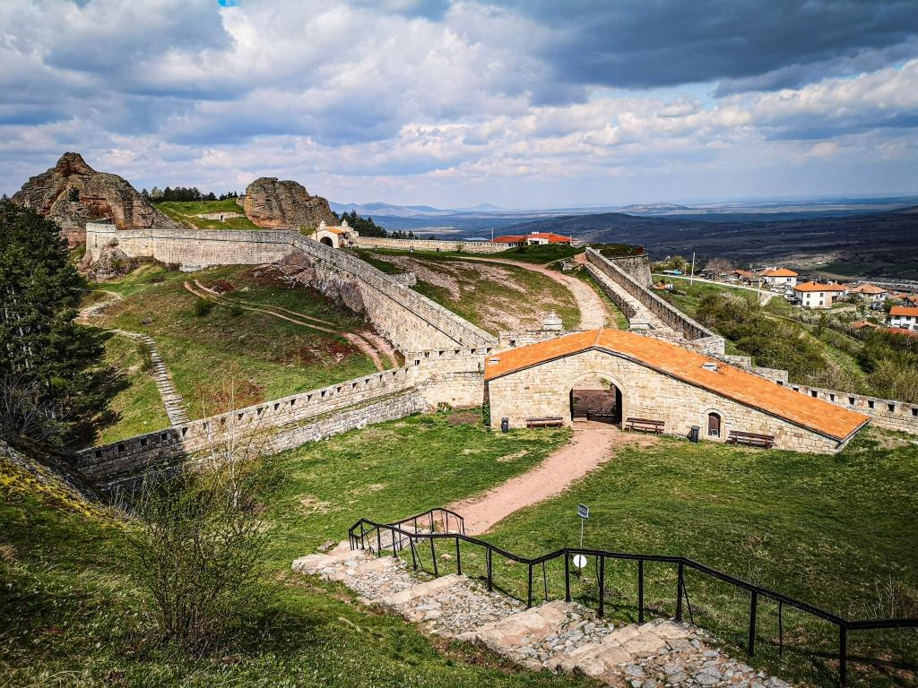 Bułgaria, Belogradchik, Twierdza kaleto, forteca, ruiny, Bełogradczik pcham do przodu