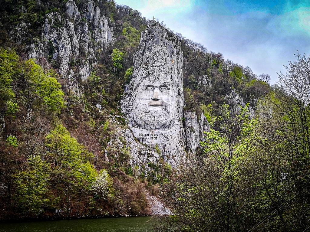Rumunia, Baile Herculane, Pcham do Przodu, co zobaczyć, co zwiedzić, atrakcje gdzie jechać, zwiedzanie Rzeźba Decebala  pomnik