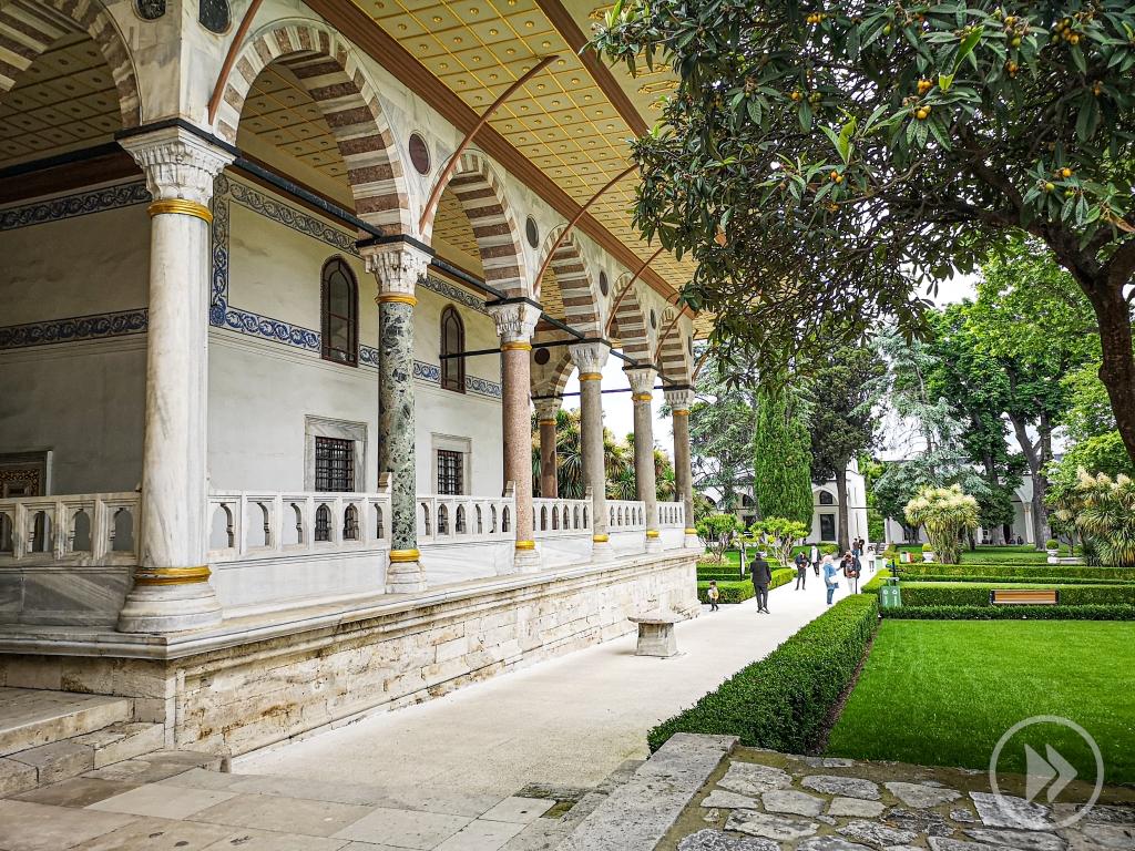 Pałac Topkapi  Turcja Stambuł Istanbul Turkey atrakcje co zobaczyć zwiedzać zwiedzanie  pcham do przodu co robić w Stambule  gdzie zaparkować
